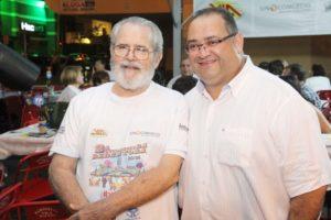 Pe. Jarbas e Andre  Fachinetti na quermece que lotou a Redentora
